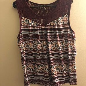 Women's sleeveless top with lace